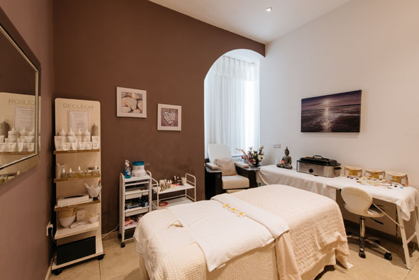Harmony Beauty Room Message Bed Headland Hotel and Spa