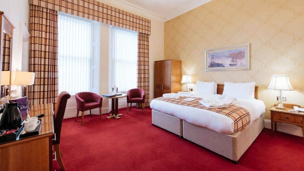 places to stay in torquay uk