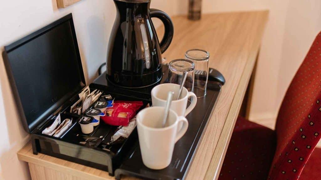 Standard-Rooms-Hotel-Headland-Coffee-Tea-Tray