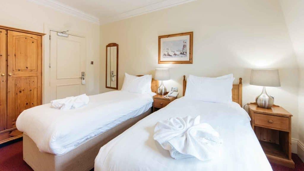 Standard-Rooms-Hotel-Headland-Double-Room