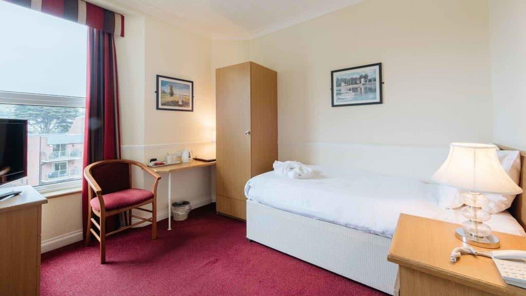 Standard-Rooms-Hotel-Headland-Single-Room-C